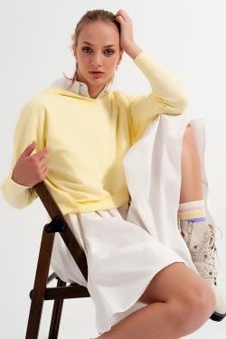 Geel trui met lange mouwen en capuchon